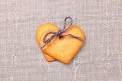 2 печенья пряника сердца форменных Стоковое фото RF