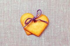 2 печенья пряника сердца форменных Стоковые Изображения RF