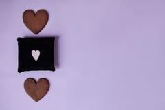 2 печенья пряника с мягкой малой подушкой Взгляд сверху Стоковое фото RF