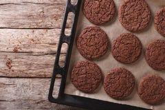 Печенья пряника шоколада на листе выпечки Горизонтальный к Стоковое Фото