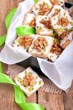 Печенья рождества в зеленой коробке Стоковая Фотография