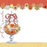 Печенья рождества в стеклянной вазе Стоковые Фотографии RF