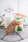 Печенья рождественской елки с молоком Стоковое Изображение