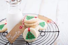 Печенья рождественской елки с молоком Стоковая Фотография