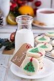Печенья рождественской елки с молоком Стоковое Изображение RF