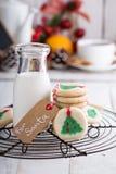 Печенья рождественской елки с молоком Стоковые Изображения