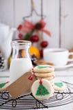 Печенья рождественской елки с молоком Стоковые Фотографии RF