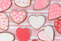 Печенья сердца на пинке Стоковое Изображение