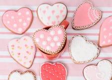 Печенья сердца на пинке Стоковая Фотография