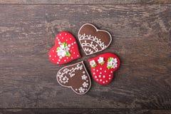 Печенья сердца пряника на день ` s валентинки Стоковые Изображения