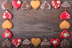 Печенья сердца пряника на день ` s валентинки Стоковые Фото