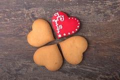 Печенья сердца пряника на день ` s валентинки Стоковое Изображение