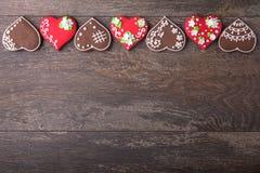 Печенья сердца пряника на день ` s валентинки Стоковое Фото