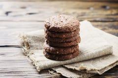 Печенья сладостного шоколада на деревянном столе Стоковая Фотография RF