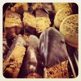 Печенья с замороженностью шоколада Стоковые Изображения RF