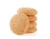 Печенья с сезамом на белой предпосылке Стоковое Изображение RF