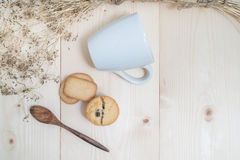 Печенья с стеклом молока Стоковая Фотография