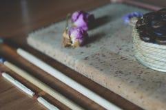 Печенья трав и кофе, милые фото Стоковая Фотография RF