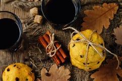 Печенья тыквы обломоков шоколада с стеклом кофе Стоковое Изображение RF