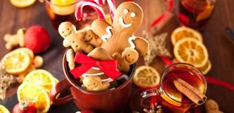 Печенья украшенные на Новый год, christ пряника рождества стоковые фото