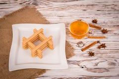 Печенья чашка чаю и специи Стоковая Фотография