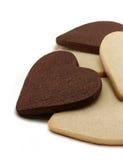 Печенья черно-белого сердца форменные Стоковое Изображение