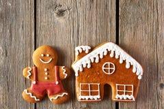 Печенья человека и дома пряника рождества Стоковые Изображения RF