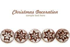 Печенья шоколада с отказами на белой предпосылке, взгляд сверху стоковое фото