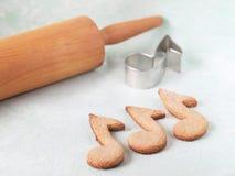 Печенья Oatmeal сформированные как примечания Стоковое Изображение