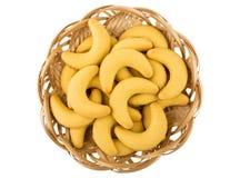 Печенья Shortbread в форме банана в плетеной корзине Стоковые Фото