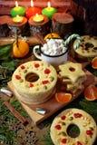 Печенья Shortbread сформированные как кольца и звезды Стоковые Изображения
