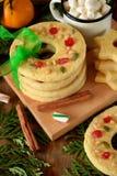 Печенья Shortbread сформированные как кольца и звезды Стоковая Фотография