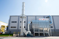 Печная труба и силосохранилище лэндфилл-газа в рециркулировать отход к энергетической установке Стоковое Изображение RF