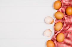 Печь взгляд сверху ингридиентов торта или пиццы на деревянной предпосылке Стоковое Изображение