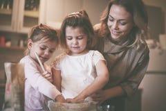 Печь матери и дочей Стоковые Фотографии RF