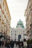 Пешеходная улица и архитектура города вены стоковые фото