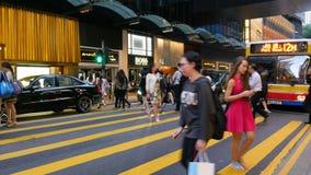 Пешеход и автомобили в Гонконге сток-видео