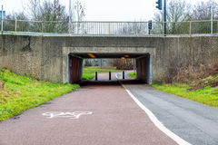 Пешеход и путь ciclyst под дорогой Стоковые Фото