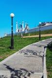 Пешеходная тропа водя к Казани Кремлю, России стоковые изображения rf