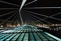 Пешеходный мост в Бильбао Calatrava стоковые изображения