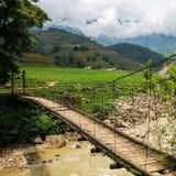 Пешеходный мост около Sapa в Вьетнаме Стоковая Фотография RF