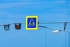 Пешеходный переход знака уличного движения Стоковое Изображение