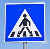 Пешеходный переход знака стоковые изображения rf