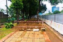 Пешеход под фото конструкции принятым в Джакарту Индонезию Стоковая Фотография