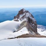 Пеший поднимающий вверх клобук Mt, второе взобрался glaciated вулканический пик Стоковые Изображения RF