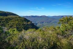 Пеший туризм большой прогулки clifftop, голубые горы, Австралия 9 стоковые фото