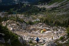Пеший туризм в горах 8 Стоковые Изображения
