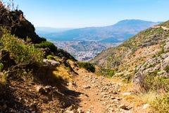 Пеший туризм в горах Rif Марокко под городом Chefchaouen, Марокко, Африка стоковое изображение