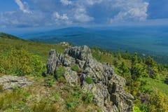 Пеший туризм в горах Taganay- национального парка, реки, озера Стоковые Фотографии RF