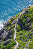 Пеший туризм вдоль следа Cabot в St. John & x27; s Ньюфаундленд, Канада Стоковые Фотографии RF